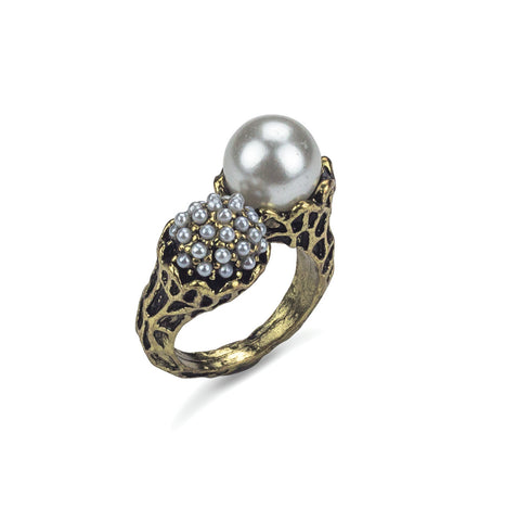 Exquisite Pearl Ring