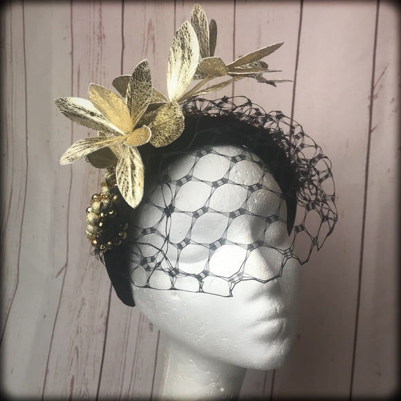 Black and gold fascinator hairband