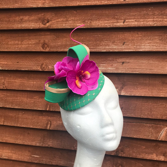 Green and magenta pink fascinator