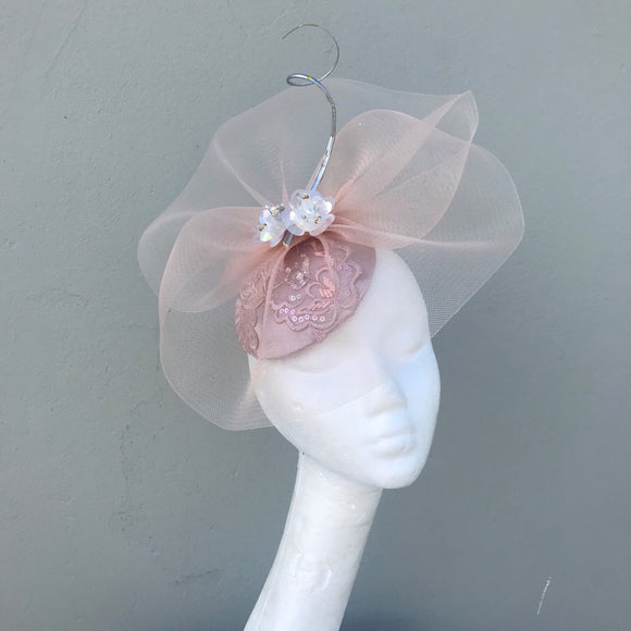 Dusty pink fascinator