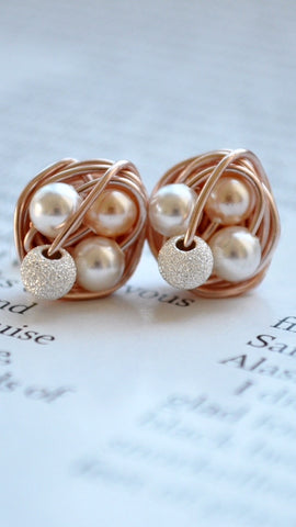 Peach Petite VDazzled Rose Gold Stud Earrings With Stardust Beads and White / Peach Swarovski Glass Pearls