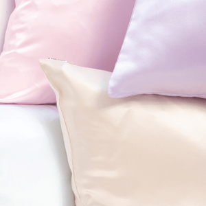 A Silk Pillowcase That Is Luxurious and Low-Cost