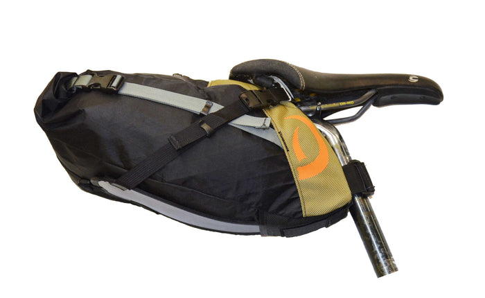 Side view of Defiant Pack black/mocha Pearl Pass Seatbag Small