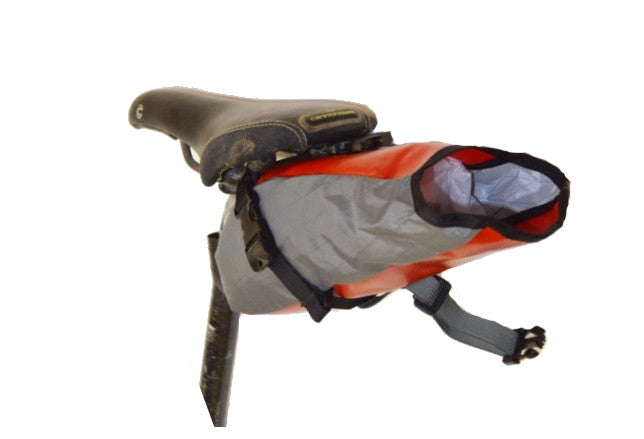 Rear-view of grey/red Toklat Seatbag Small showing opening of bag