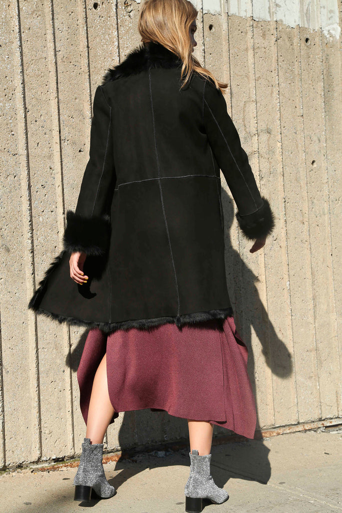 BLACK TOSCANA SHEARLING COAT