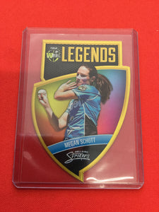 18/19 Tap N Play BBL Legends CLS-09 #/750 MEGAN SCHUTT Adelaide Strikers