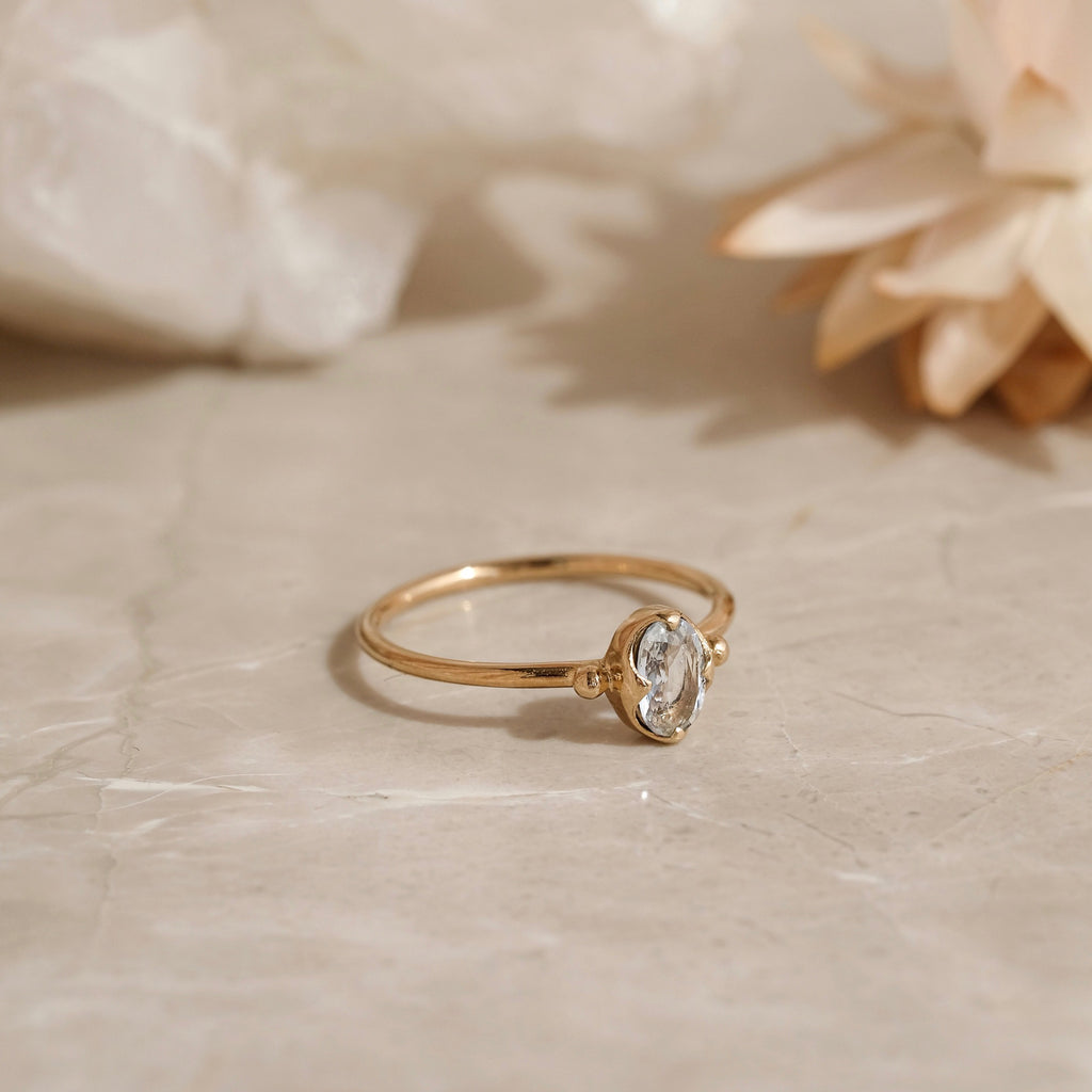 Abbey Ring, White Sapphire, 9kt Yellow Gold