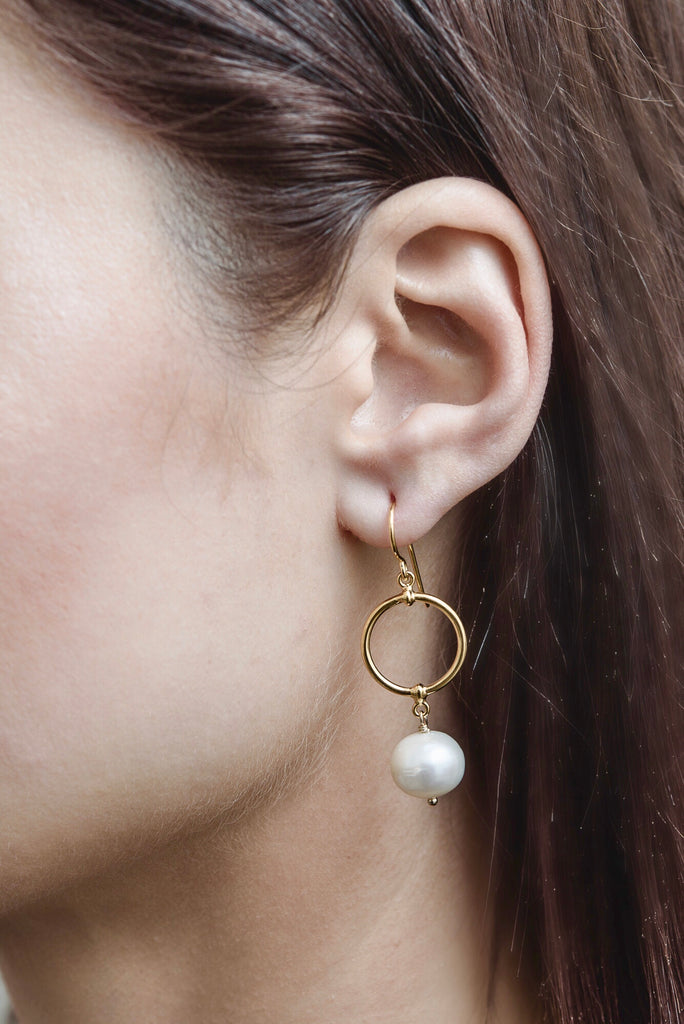 Eclipse Earring, Pearl, Gold