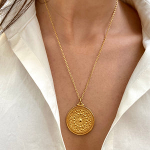Medallion Pendant, Large, Elongated Chain, Gold