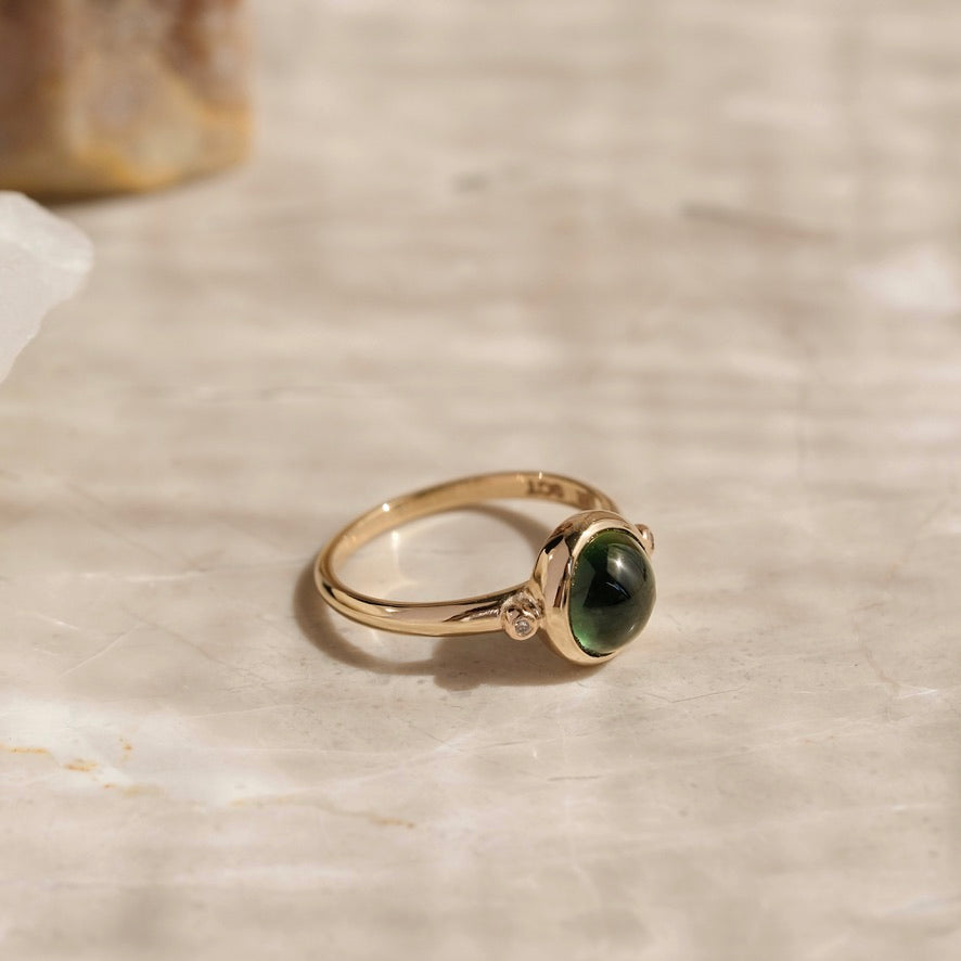 Green Sapphire Cabochon Ring, 9kt Yellow Gold