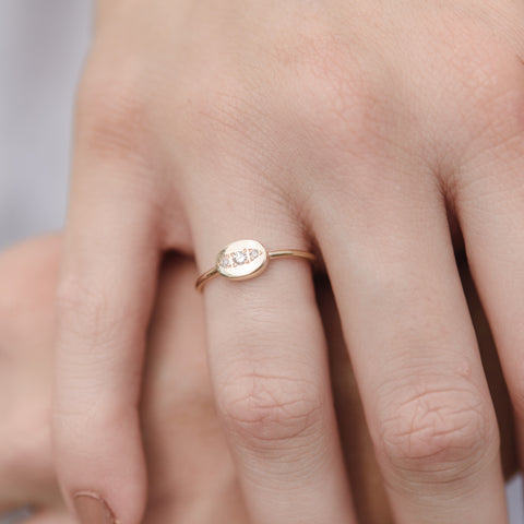 Fine Oval Band, Diamond, 9kt Yellow Gold