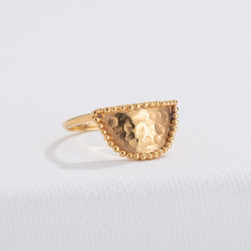 Amulet Ring, Gold
