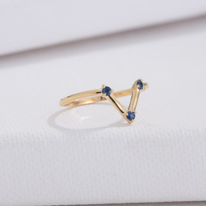 Eos Ring, Blue Sapphire, 9kt Yellow Gold