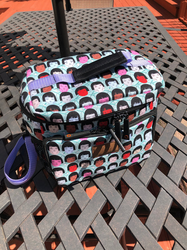Faces Print Lunch Bag