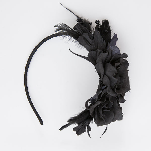 Black flower hair band with feathers