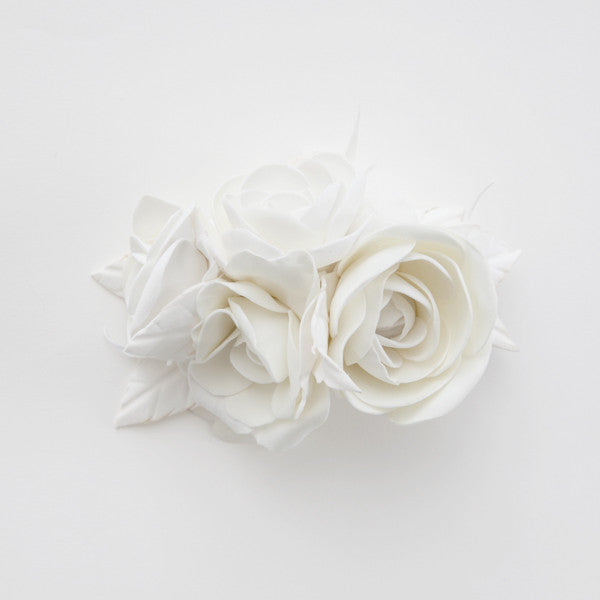 Bridal hair clip with white roses