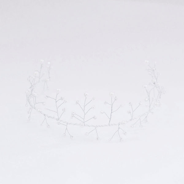 Bridal tiara with pearls