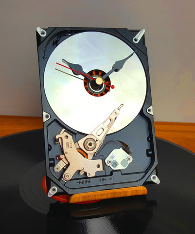 Computer Hard Drive Upcycled To Cool Desk Clock