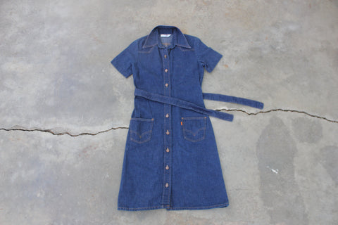 "Vintage Levi's ""Red Gingham Collar"" Denim Dress - La Lovely Vintage"