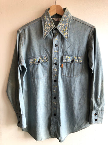 Vintage 1970's Levi's Embroidered Chambray Button-Up Shirt