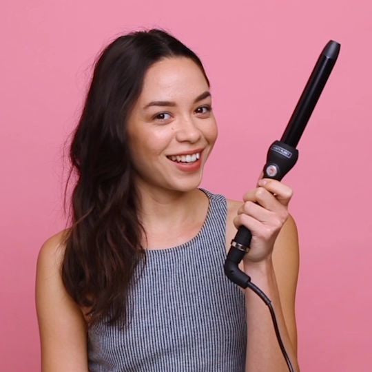 Cue | Clip-Free Curling Wand