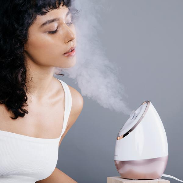 Aira Face Steamer + Essia Lifting Wand.