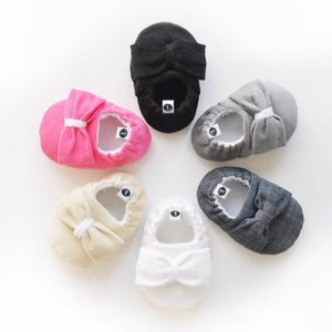 Big Bow Theory baby shoes