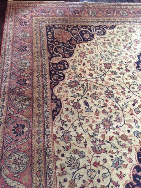 Early 1900's Fine Sivas Carpet 2.90 x 2.00