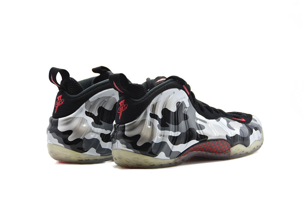 "Nike Air Foamposite One ""Fighter Jet"""