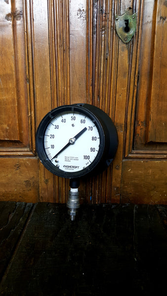 Ashcroft Pressure Gauge in a flush mount k500 - Wayne James Limited - 1