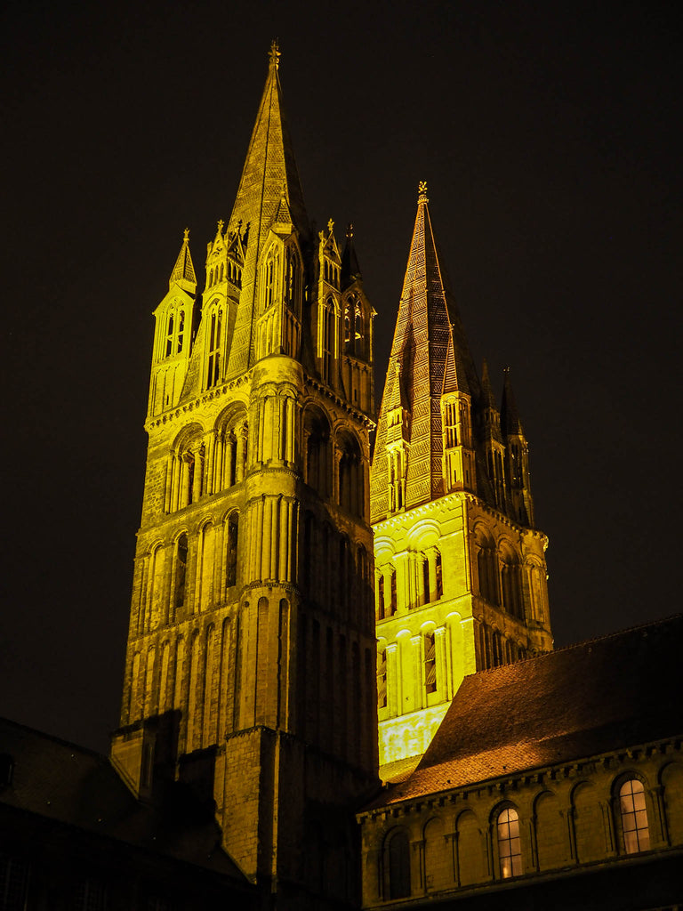 abbey-caen-night