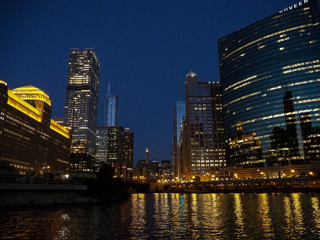 chicago-river-night