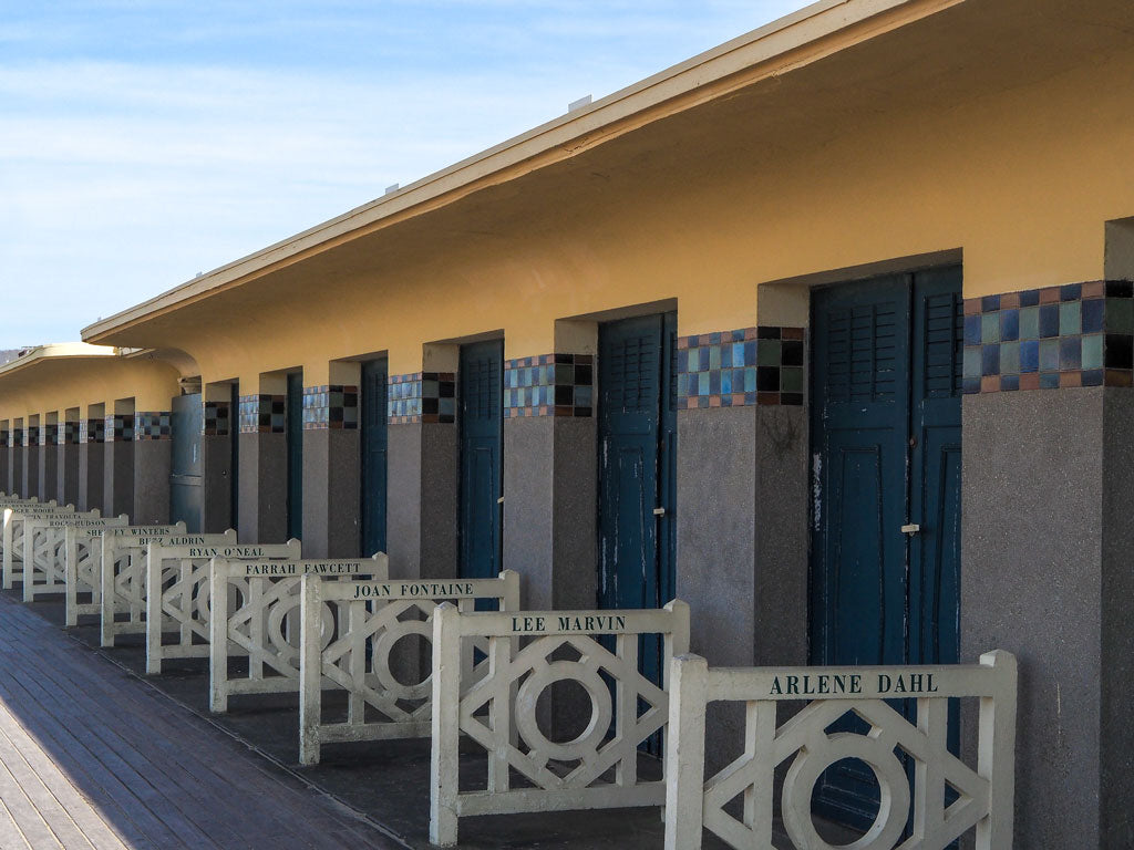 deauville-wood-houses-beach
