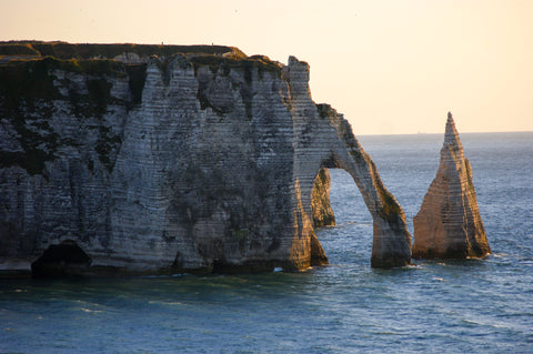 etretat-sunset-aiguille-arch-normandy