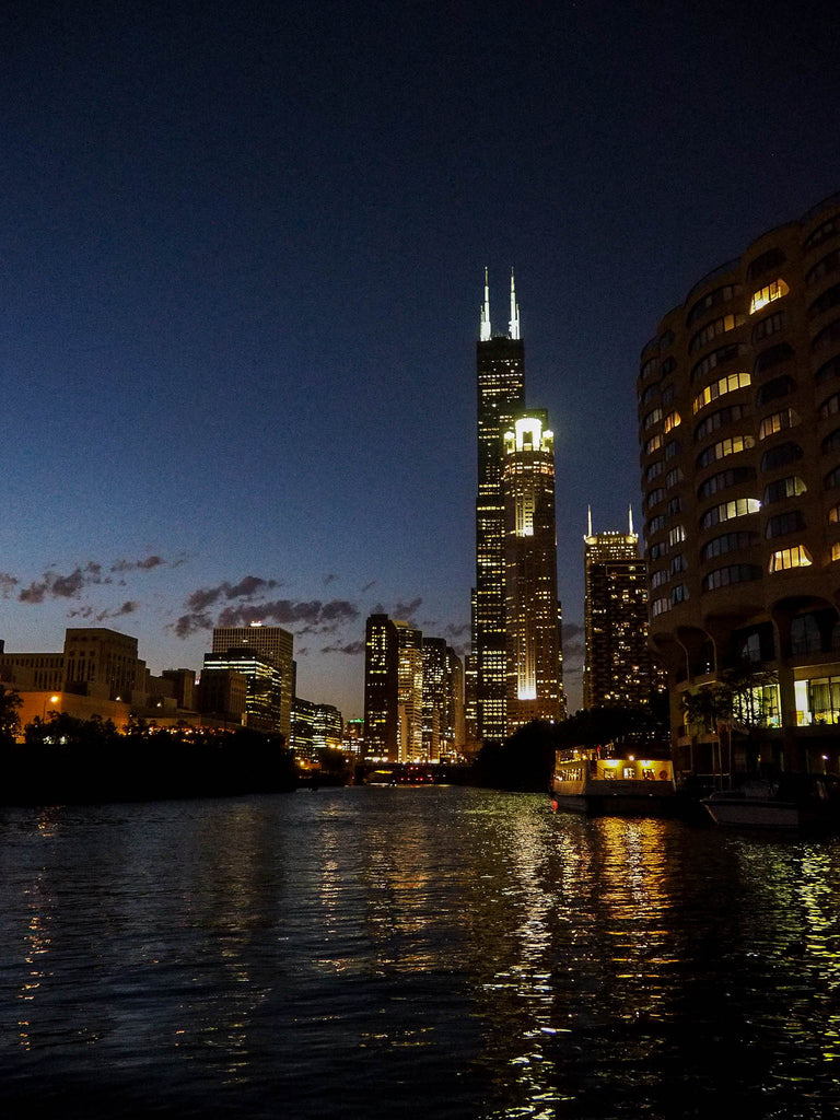 willis-tower-by-night
