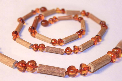 (12.5 in.) Baltic Amber & Hazelwood Teething Necklace - Unisex - HONEY
