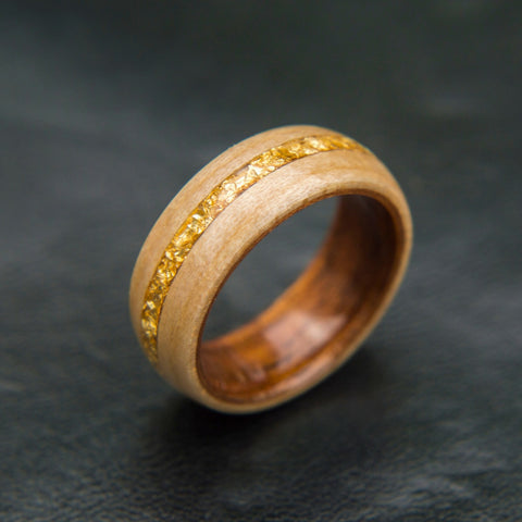 Bentwood ring with koa wood and maple - Gold Flakes