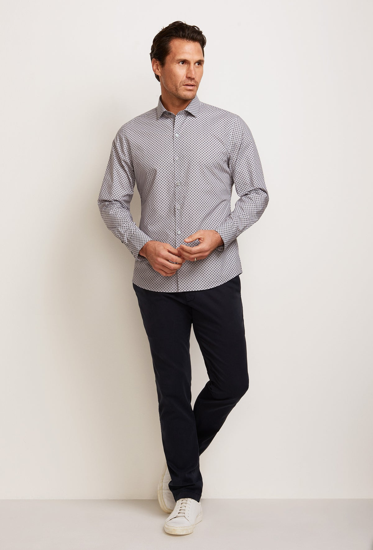 ZACHARY-PRELL-Wyatt-ShirtsModern-Menswear-New-Dress-Code