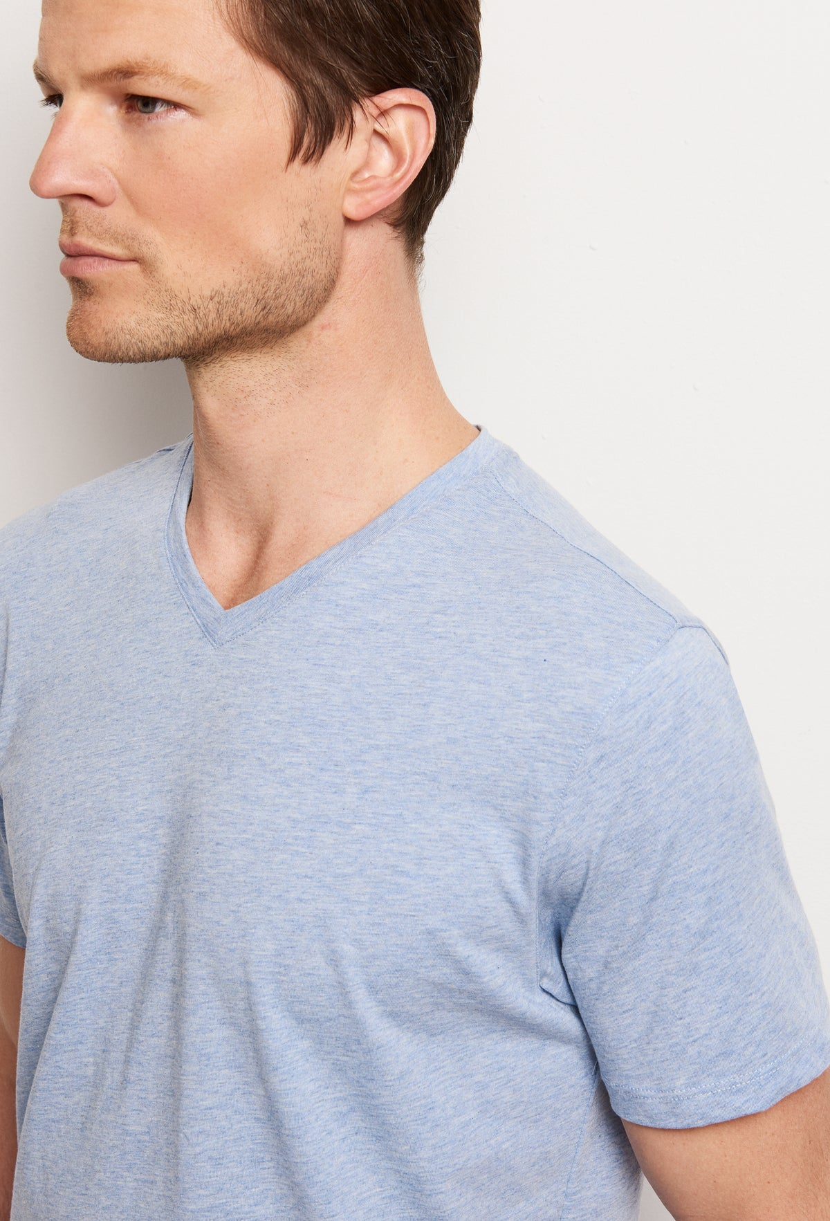 ZACHARY-PRELL-Mercer V-T-shirtsModern-Menswear-New-Dress-Code