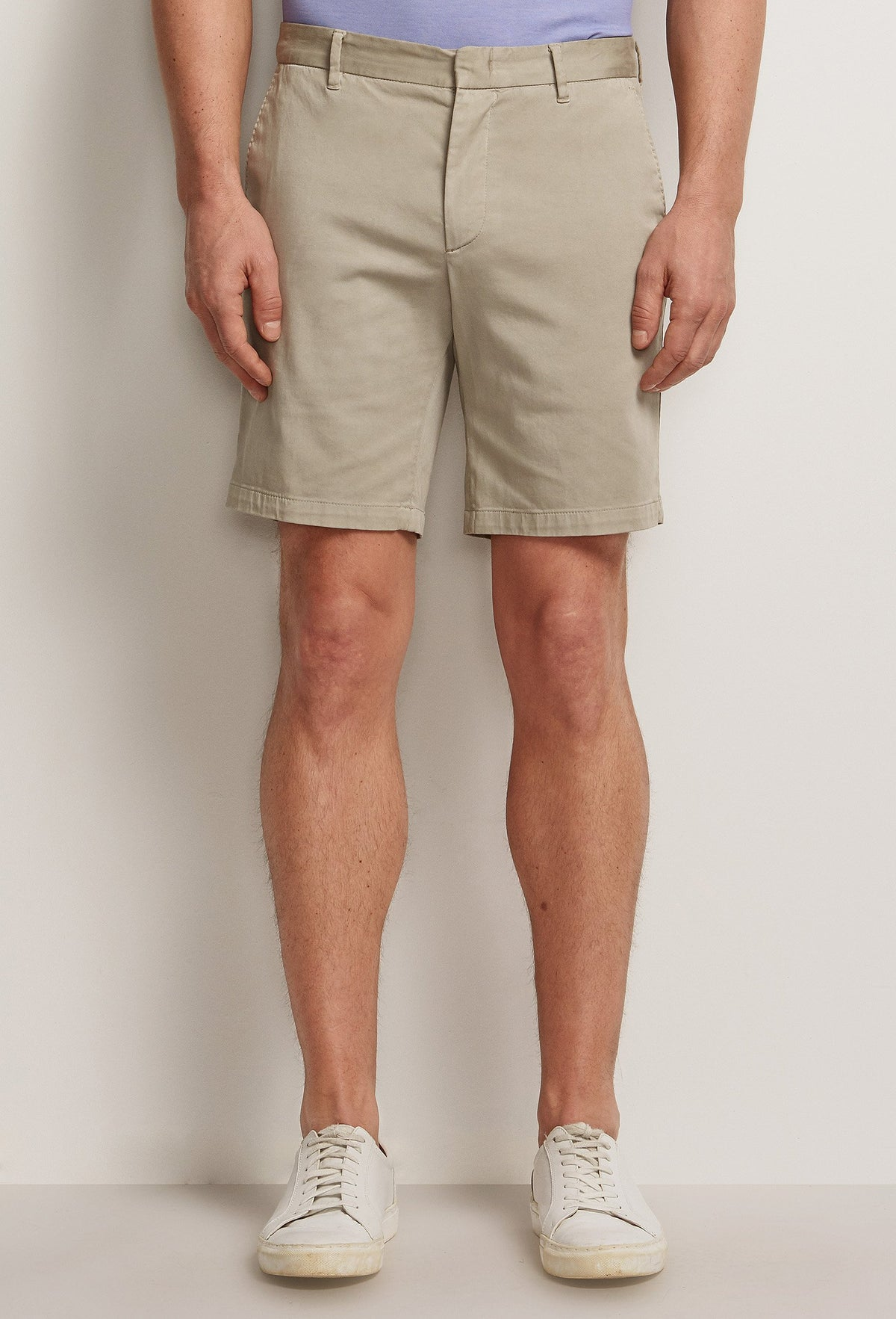 men's lightweight khaki cotton shorts with pockets