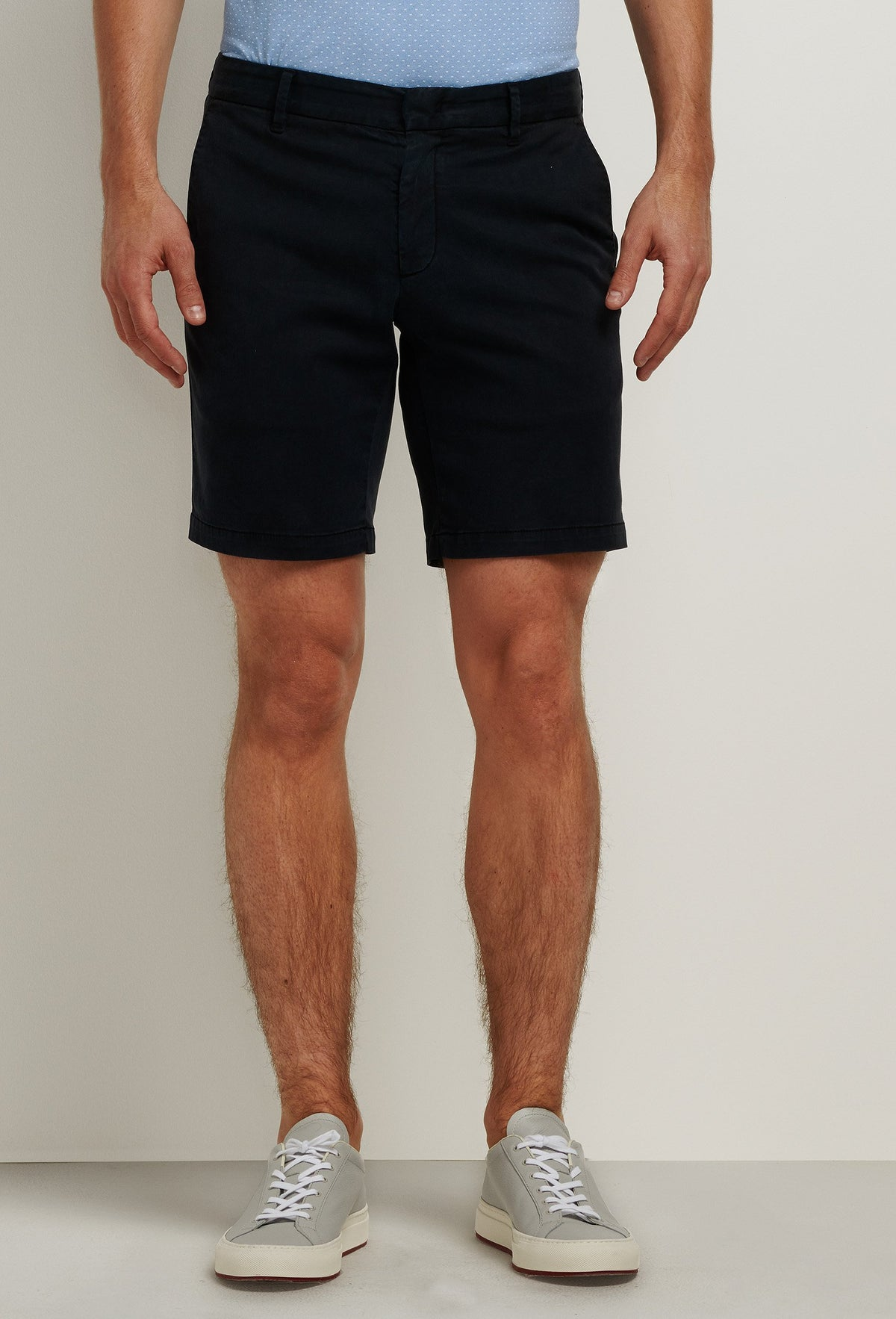 men's lightweight navy blue cotton shorts with pockets