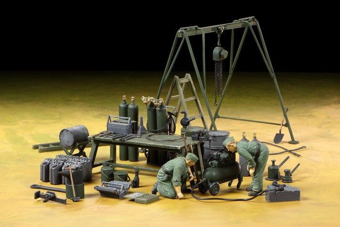 Tamiya 1/35 German Field Maintenance Team