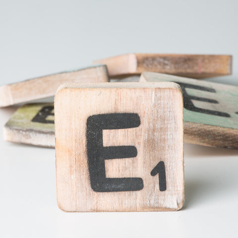 Cotton Counts - Houten deco letter E1 - Studio Thien