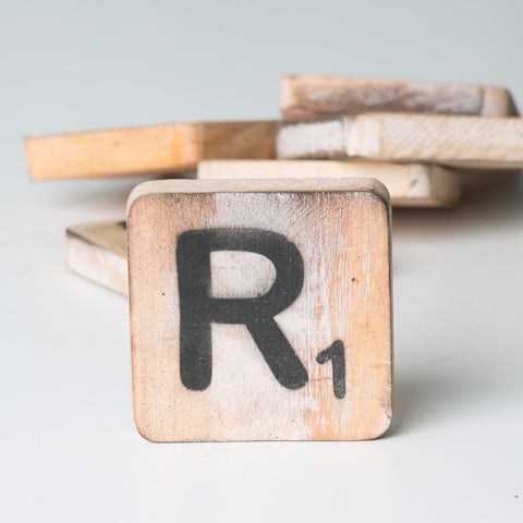 Cotton Counts - Houten deco letter R1 - Studio Thien