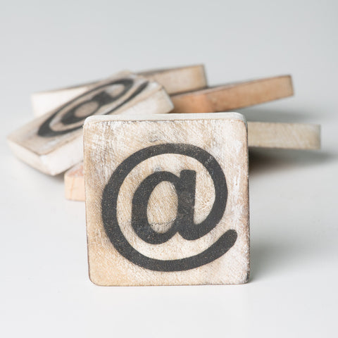 Cotton Counts - Houten deco letter @ - Studio Thien