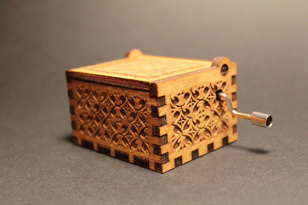 Engraved wooden music box California Dreaming