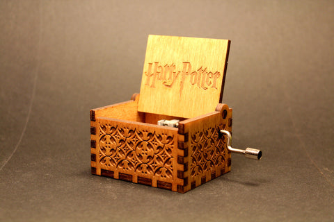 Engraved wooden music box HP - Theme