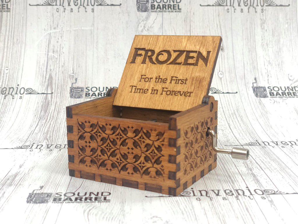 Engraved wooden music box - Frozen - For The First Time In Forever