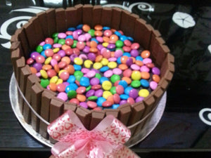 Cakes by Prajakta Gandhi (Eggless) - Kitkat Chocolate Cake / 1 / 2 Kg - Homely - By Prajakta Gandhi - 5