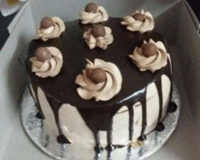 Cakes by Prajakta Gandhi (Eggless) - Chocolate Truffle Cake / 1 / 2 Kg - Homely - By Prajakta Gandhi - 4